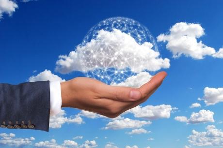 営業支援システムを統合し、機能向上を目指す