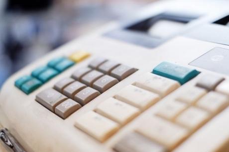 膨大な販売データをリアルタイム管理 POSレジシステム開発